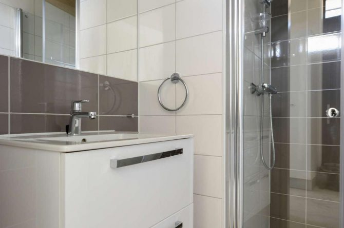 Villapparte-Qurios-Sea House Comfort-luxe lodge voor 4 personen-Bloemendaal aan zee-luxe badkamer