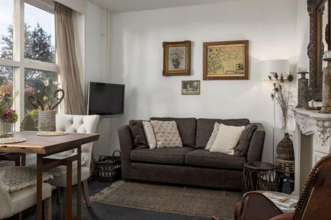 Villapparte-Vakantieboerderij Baarland-Zeeland-Baarland-Natuurhuisje-2 personen-knusse woonkamer