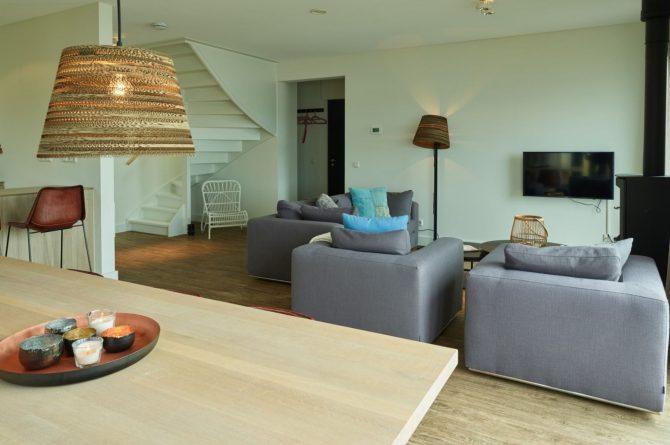 Villapparte-Baayvilla 12 Lauwersoog-Dutchen-Baayvilla's-Groningen-luxe vakantievilla voor 7 personen-aan het water-gezellige zithoek
