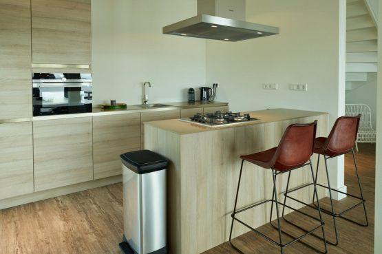 Villapparte-Baayvilla 12 Lauwersoog-Dutchen-Baayvilla's-Groningen-luxe vakantievilla voor 7 personen-aan het water-luxe keuken