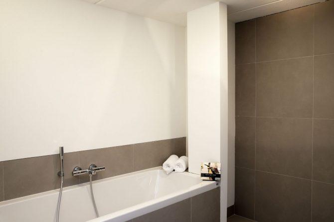 Villapparte-Dutchen-Villa Duijnvoet 6-luxe vakantievilla voor 8 personen-Schoorl-luxe badkamer