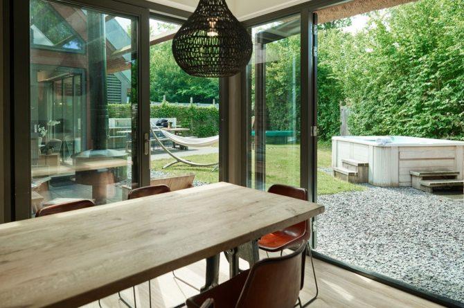 Villapparte-Dutchen-Villa Duijnvoet 6-luxe vakantievilla voor 8 personen-Schoorl-tuin met hangmat