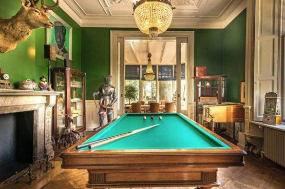 Villapparte-Logement aan de Vecht-Eliza was here-authentieke overnachting-kleinschalig-biljarttafel