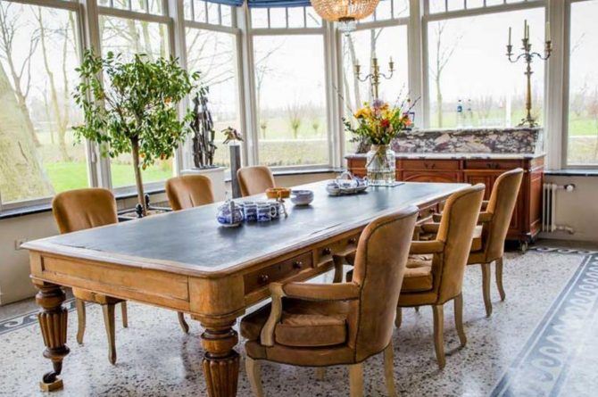 Villapparte-Logement aan de Vecht-Eliza was here-authentieke overnachting-kleinschalig-ontbijttafel