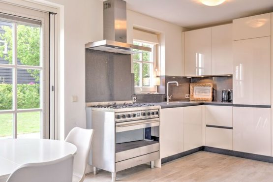 Villapparte-Belvilla-Vakantiehuis Groeneweg-Vakantiehuis voor 6 personen in Wissenkerke-Zeeland-luxe en complete keuken
