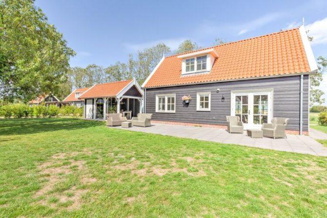 Villapparte-Belvilla-Vakantiehuis Groeneweg-Vakantiehuis voor 6 personen in Wissenkerke-Zeeland-met loungeset