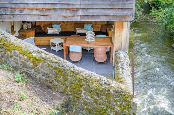 Villapparte-Vakantiehuis Murol-2-4 persoons vakantiehuis-Auvergne-Rhône-Alpes-Murol-Frankrijk-loungehoek van boven