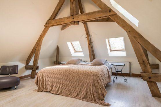 Villapparte-La Bastide - een kleinschalig vakantiedomein met 8 vakantiehuizen in de Haute Vienne met 2 zwembaden-romantische slaapkamer Haute Vienne