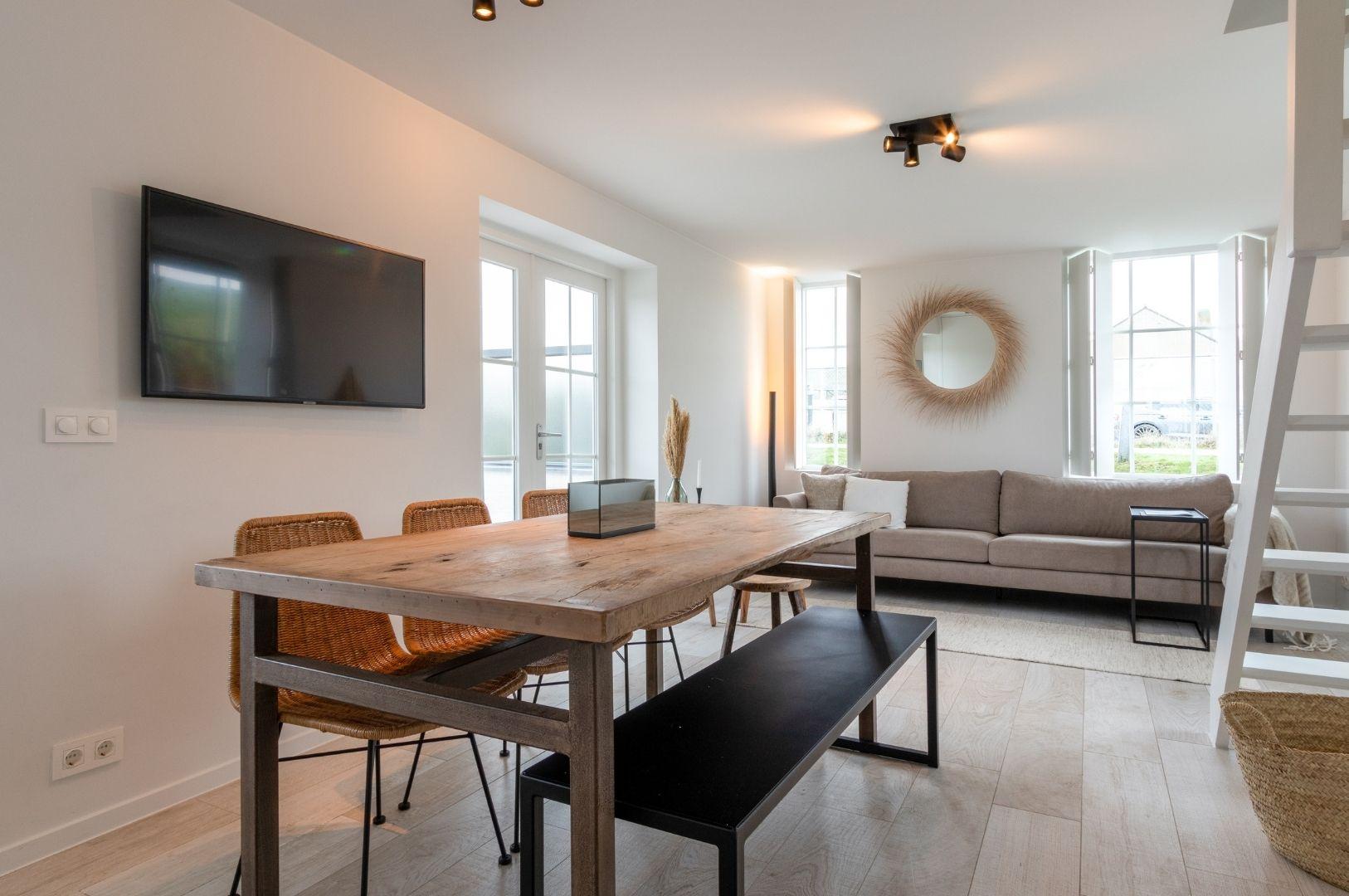Villapparte-Zeeuws Duinhuis-luxe vakantiehuis voor 5 personen-Breskens-Zeeuws Vlaanderen-gezellige eethoek