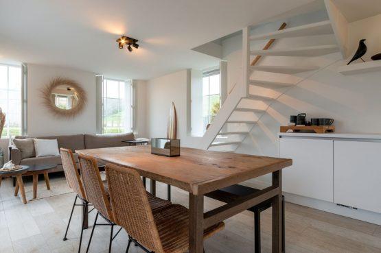 Villapparte-Zeeuws Duinhuis-luxe vakantiehuis voor 5 personen-Breskens-Zeeuws Vlaanderen-open keuken met eethoek