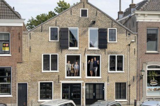 Villapparte-B&B Pakhuis Maassluis-2 luxe appartementen voor 2 tot 4 personen-aan de haven in Maassluis