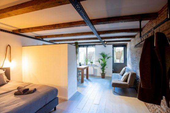Villapparte-B&B Pakhuis Maassluis-2 luxe appartementen voor 2 tot 4 personen-aan de haven in Maassluis-romantisch appartement Kuiperij