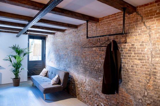 Villapparte-B&B Pakhuis Maassluis-2 luxe appartementen voor 2 tot 4 personen-aan de haven in Maassluis-slaapbank Kuiperij