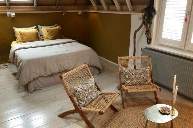 Villapparte-B&B in het Voorhuys-Doesburg-luxe appartement voor 2 personen-knus zitje