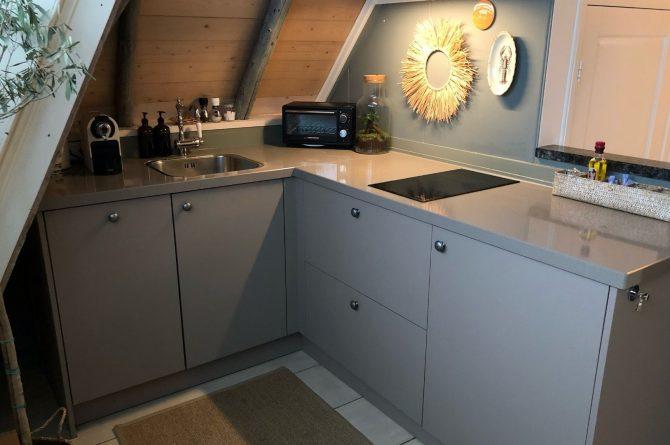 Villapparte-B&B in het Voorhuys-Doesburg-luxe appartement voor 2 personen-moderne keuken