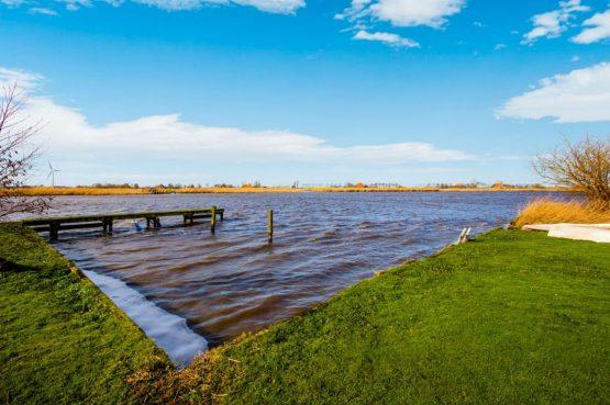 Villapparte-Belvilla-Vakantiehuis Gaastmeer-luxe watervilla voor 6 personen met sauna-Friesland-uitzicht over Gaastmeer