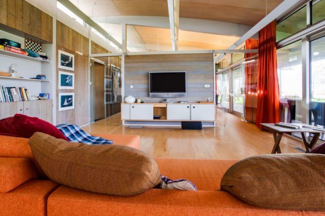 Villapparte-Belvilla-Vakantiehuis Gaastmeer-luxe watervilla voor 6 personen met sauna-Friesland-woonkamer met hoge plafonds