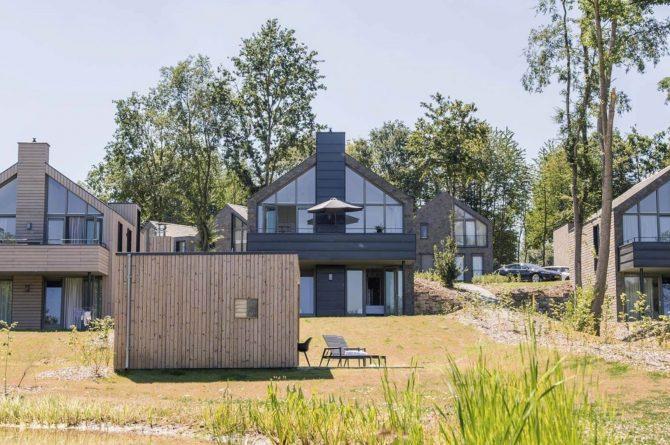 Villapparte-Dormio Resort Maastricht-Hertogenvilla Wellness Waterkant-luxe vakantiehuis voor 6 personen-met jacuzzi en sauna-Maastricht