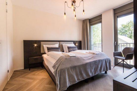 Villapparte-Dormio Resort Maastricht-Hertogenvilla Wellness Waterkant-luxe vakantiehuis voor 6 personen-met jacuzzi en sauna-Maastricht-luxe slaapkamer