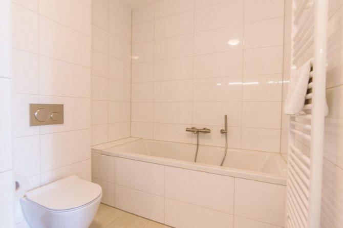 Villapparte-Dormio Resort Maastricht-Hertogenvilla Wellness Waterkant-luxe vakantiehuis voor 6 personen-met jacuzzi en sauna-Maastricht-met 3 badkamers