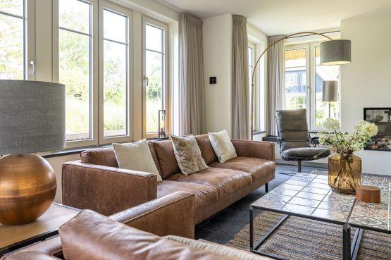 Villapparte-Dutchen-Villa Surf-luxe villa voor 8 personen-Ameland-tegen de duinrand-gezellige zithoek