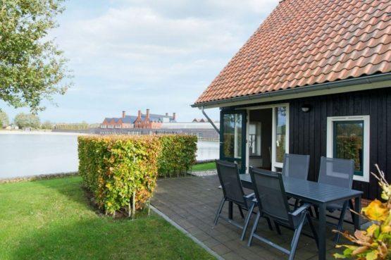 Villapparte-Landal-Hof van Saksen-Love2stay Boerderij-luxe vakantiehuis-2 personen-uitzicht water