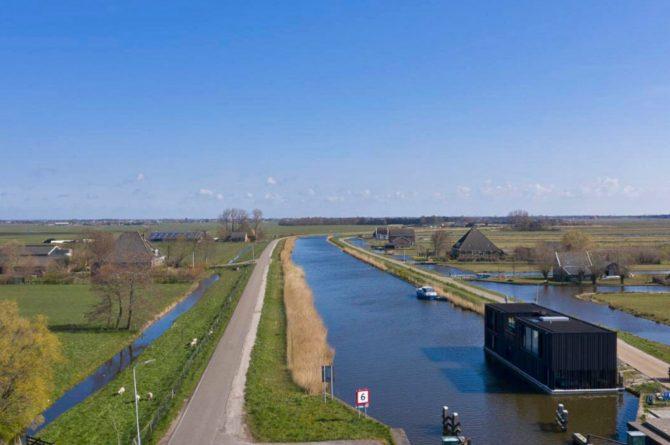 Villapparte-Natuurhuisje-Watervilla Zwarte Zwaan-Oostknollendam-luxe vakantiehuis op het water-6 personen-Zaanstreek-met prachtig uitzicht