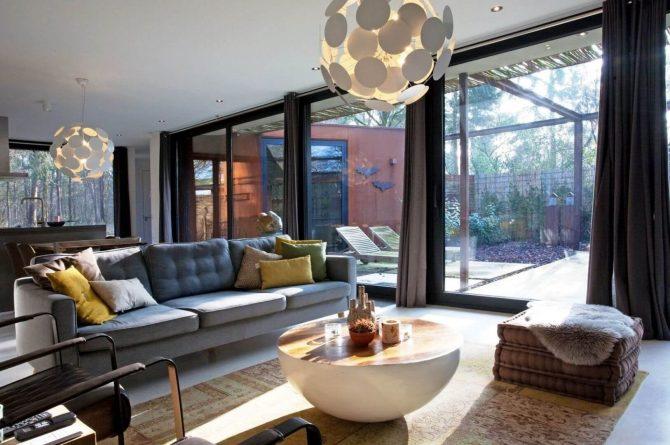 Villapparte-Special Villas-Vakantiehuis Stalen Boshuis-luxe vakantiehuis voor 4 personen-Oosterhout-Noord-Brabant-sfeervolle zithoek
