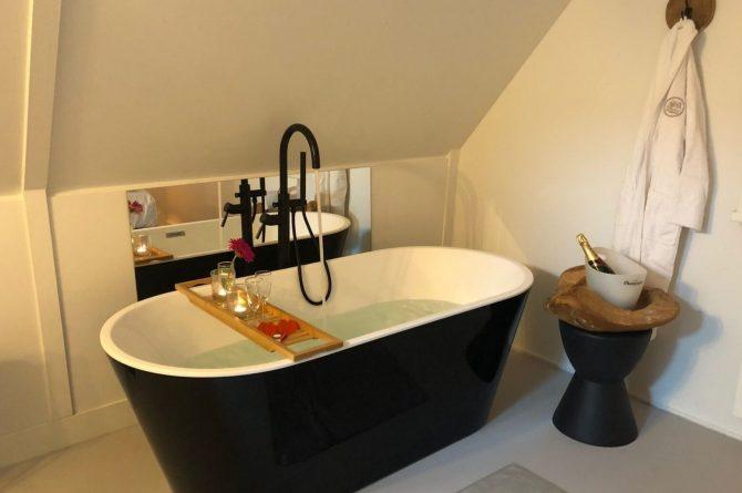 Villapparte-Vakantiehuis Madelief-Onthaasten in de Achterhoek-luxe vakantiehuis-6 personen-met zwembad-luxe badkamer