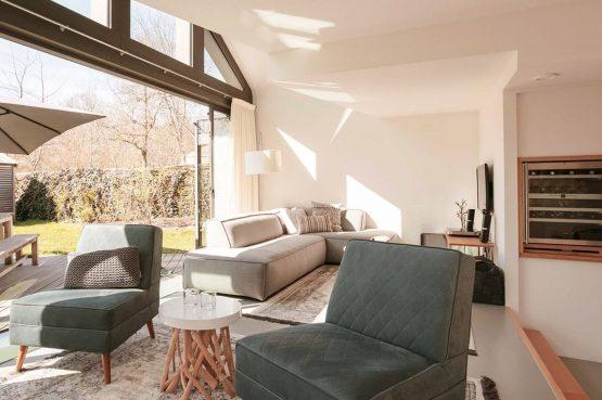 Villapparte-Villa Duynzoom 3-Park Duynzoom-luxe villa voor 8 personen met finse sauna-knusse zithoek