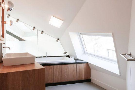 Villapparte-Villa Duynzoom 3-Park Duynzoom-luxe villa voor 8 personen met finse sauna-luxe badkamer met ligbad