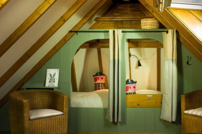 Villapparte-B&B-Vakantiehuis de Vrijstaten-Overrijsel-luxe vakantiehuis De Rietvogel-5 personen-knusse bedstee