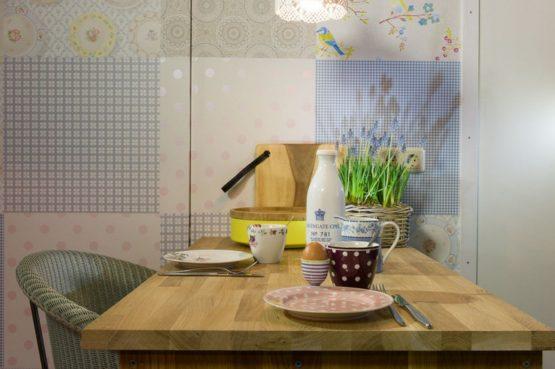 Villapparte-B&B-Vakantiehuis de Vrijstaten-Overrijsel-luxe vakantiehuis De Zwaan-3 personen-gezellige eettafel