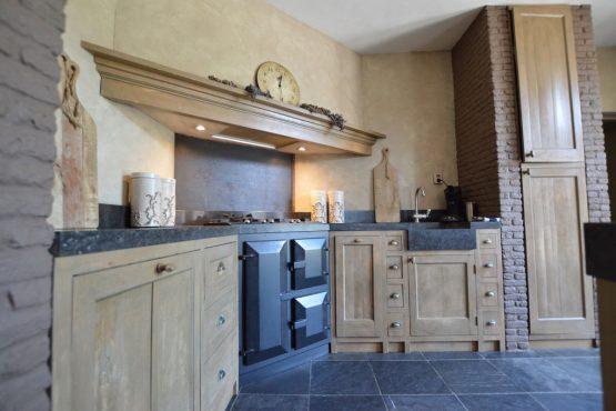 Villapparte-Belvilla-Vakantiehuis La Grande Maison Douce-luxe vakantiehuis voor 16 personen-Alphen-Noord Brabant-luxe keuken