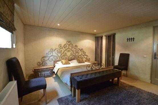 Villapparte-Belvilla-Vakantiehuis La Grande Maison Douce-luxe vakantiehuis voor 16 personen-Alphen-Noord Brabant-romantische slaapkamer