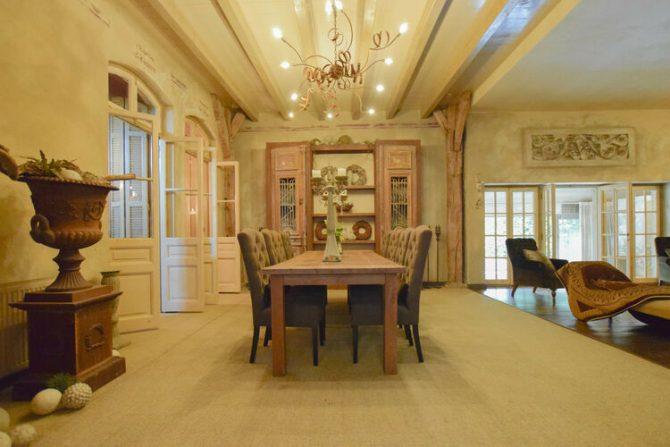 Villapparte-Belvilla-Vakantiehuis La Maison Douce-luxe vakantiehuis voor 10 personen-Alphen-Noord Brabant-eethoek