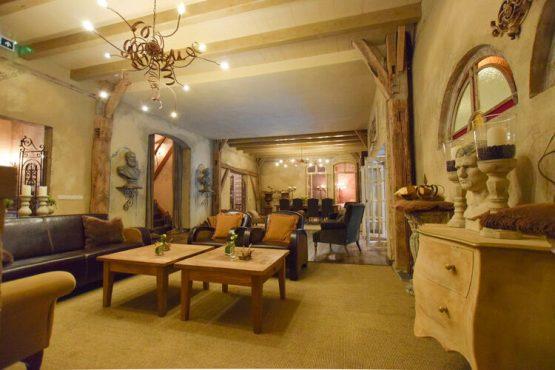 Villapparte-Belvilla-Vakantiehuis La Maison Douce-luxe vakantiehuis voor 10 personen-Alphen-Noord Brabant-landelijke woonkamer