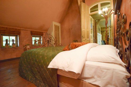 Villapparte-Belvilla-Vakantiehuis La Maison Douce-luxe vakantiehuis voor 10 personen-Alphen-Noord Brabant-romantische slaapkamer