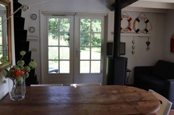 Villapparte-Natuurhuisje 35850-Vakantiehuis het Eiland-Romantisch vakantiehuisje voor 2 personen-Reeuwijkse Plassen-eethoek