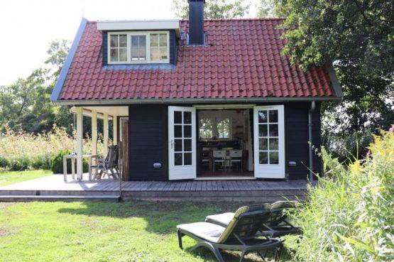 Villapparte-Natuurhuisje 35850-Vakantiehuis het Eiland-Romantisch vakantiehuisje voor 2 personen-Reeuwijkse Plassen-veranda
