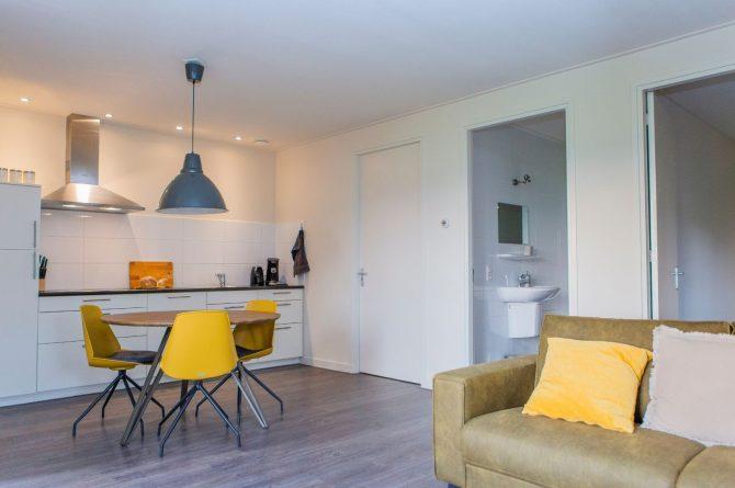 Villapparte-Natuurhuisje 56963-De Groene Parel-Gaasterland-modern vakantiehuis voor 4 personen-Friesland-gezellige zithoek
