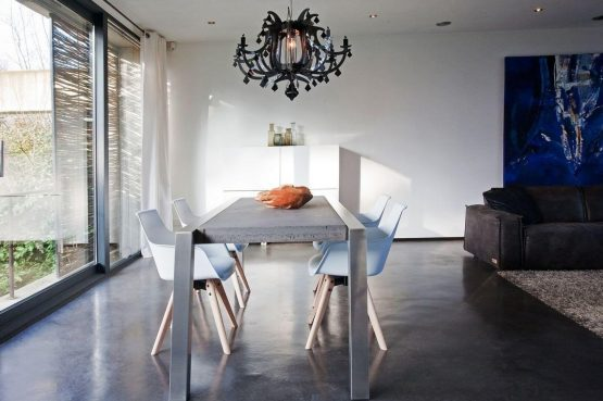Villapparte-Special Villas-Vakantiehuis Betonnen Boshuis-luxe vakantiehuis voor 4 personen-Oosterhout-Noord-Brabant-gezellige eettafel
