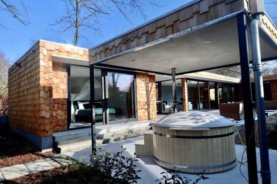 Villapparte-Special Villas-Vakantiehuis Houten Boshuis-luxe vakantiehuis voor 4 personen-Oosterhout-Noord-Brabant-met hottub