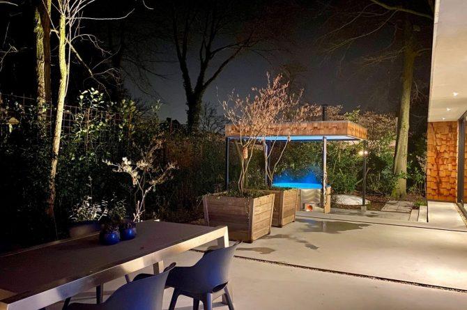 Villapparte-Special Villas-Vakantiehuis Houten Boshuis-luxe vakantiehuis voor 4 personen-Oosterhout-Noord-Brabant-met hottub-by night