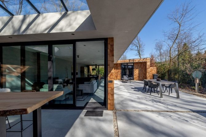 Villapparte-Special Villas-Vakantiehuis Houten Boshuis-luxe vakantiehuis voor 4 personen-Oosterhout-Noord-Brabant-met hottub-compacte tuin