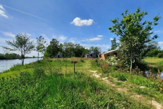 Villapparte-Tiny House Ljeppershiem-duurzaam en knus vakantiehuis voor 2 personen-Friesland-midden in de natuur