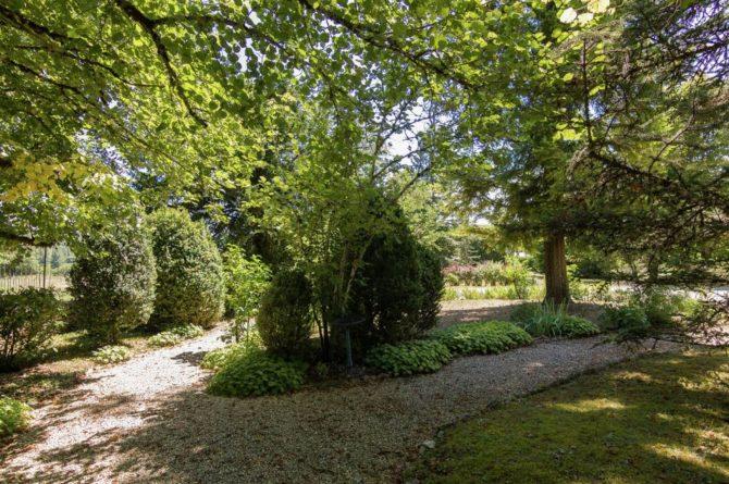 Villapparte-Belvilla-Landhuis La Peyrade Le P'tit chateau-vakantiehuis voor 6 personen met zwembad-kasteeltuinen
