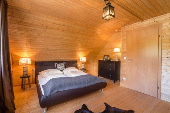 Villapparte-Belvilla-Vakantiehuis Faakersee-Finkenstein-luxe vakantiehuis voor 6 personen-Karinthië-Oostenrijk-luxe slaapkamer