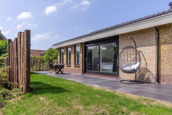 Villapparte-Belvilla-Vakantiehuis Gentiaan aan Zee-luxe vakantiehuis voor 6 personen-Julianadorp-Noord-Holland-terras