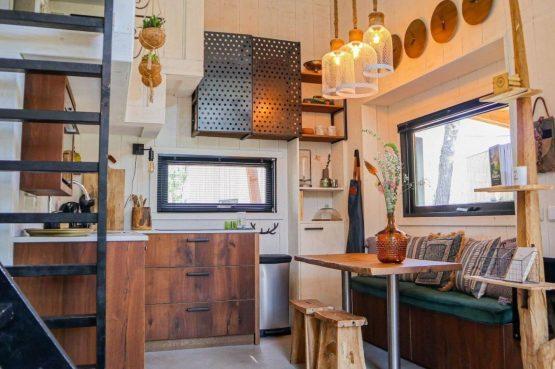 Villapparte-Droomparken-Tiny House Plus De Zanding-gezellig Tiny House voor 4 personen-Otterlo-Veluwe-gezellige keuken